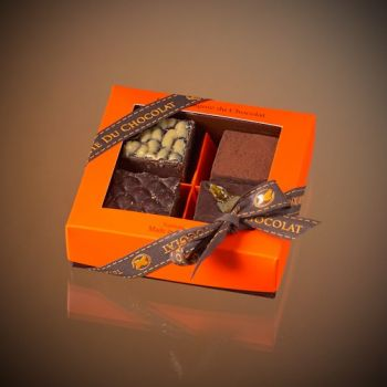 Box of 4 assorted dark chocolate fudge squares - 140 grs
