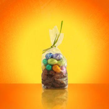 Sachet de Friture et petits Oeufs de Pâques assortis Chocolat noir et lait 200 grs